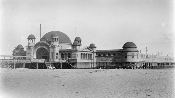 View of the St Kilda Baths in ca 1910